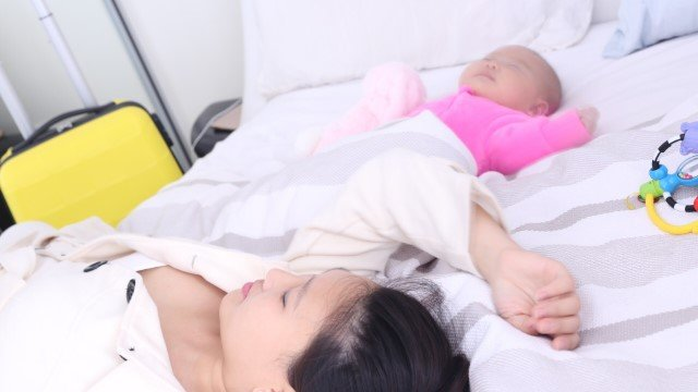 Sleep training a baby methods exhausted sleep deprived parents